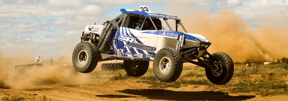 Shannon and Ian Rentsch on their way to victory at the Komatsu Brooks Hire Hyden 450 at Easter