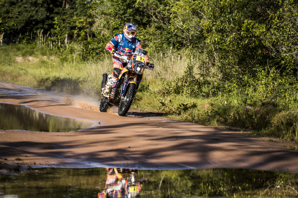 2016 Dakar Champ, Toby Price led the field away on his KTM